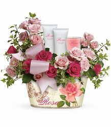 Teleflora's Everything Rosy Gift Bouquet from Swindler and Sons Florists in Wilmington, OH